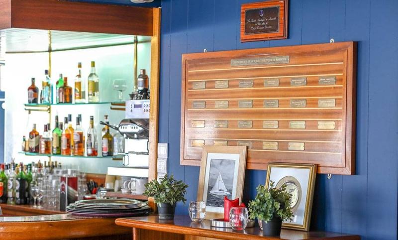 Le Restaurant - La Nautique - Restaurant Vieux Port Marseille